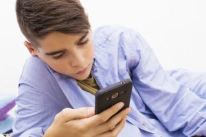 Screen Time and Athletes: What Should a Parent Do?